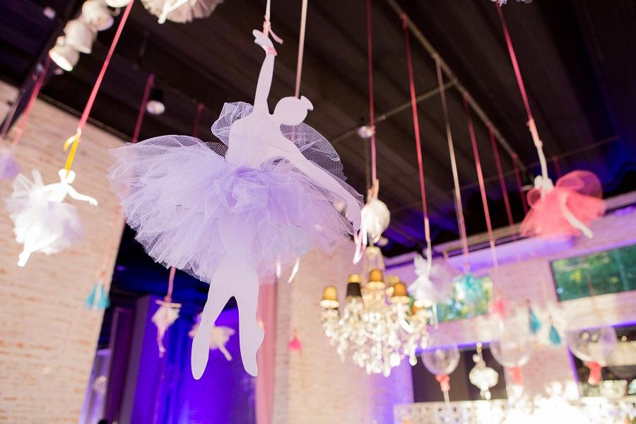 expressogourmet festa bailarina detalhe arranjo aereo Festa Infantil com Tema Bailarina