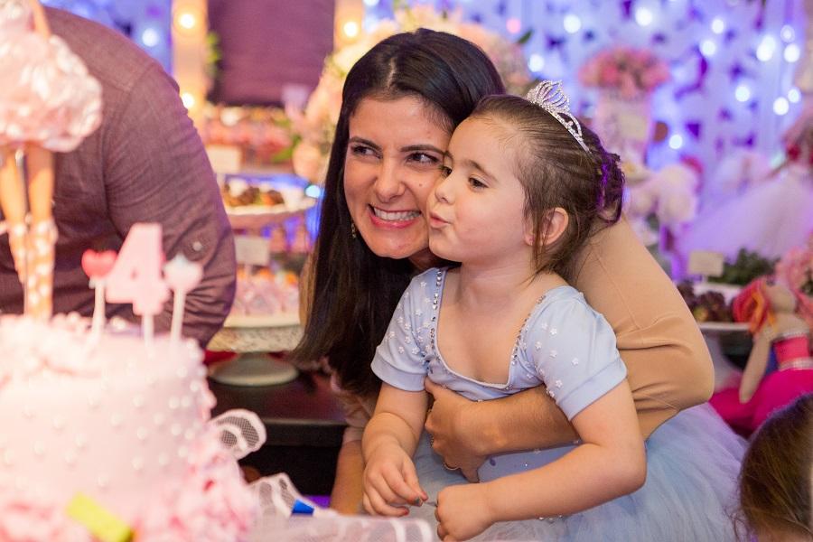 expressogourmet festa bailarina soprando vela Festa Infantil com Tema Bailarina